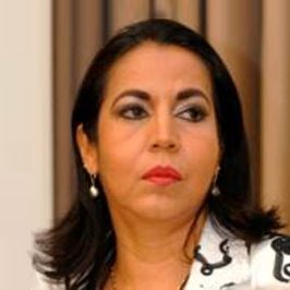 Aura L. Arias Castillo - Director Zona 2